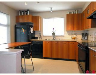 """Photo 2: 172 20033 70TH Avenue in Langley: Willoughby Heights Townhouse for sale in """"Denim"""" : MLS®# F2729721"""