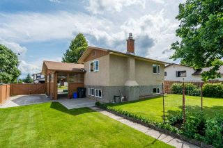 Photo 3: 3718 DOKNICK Place in Prince George: Pinecone House for sale (PG City West (Zone 71))  : MLS®# R2385402