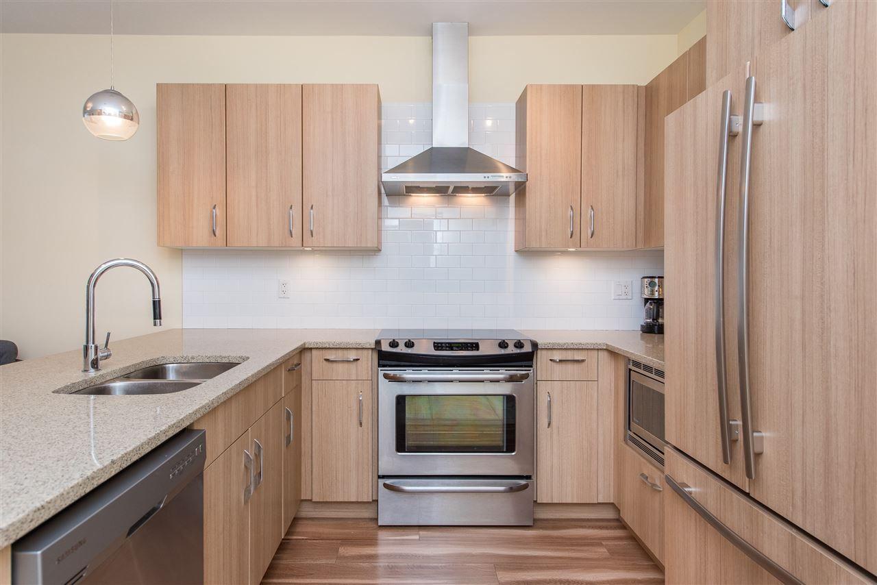 Main Photo: 301 45389 CHEHALIS Drive in Chilliwack: Vedder S Watson-Promontory Condo for sale (Sardis)  : MLS®# R2429182