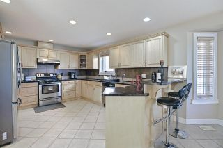 Photo 8: 1689 HECTOR Road in Edmonton: Zone 14 House for sale : MLS®# E4247485