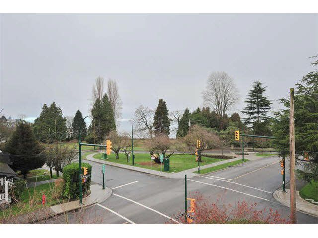 Main Photo: 1710 MACDONALD STREET in : Kitsilano Townhouse for sale : MLS®# V1097831