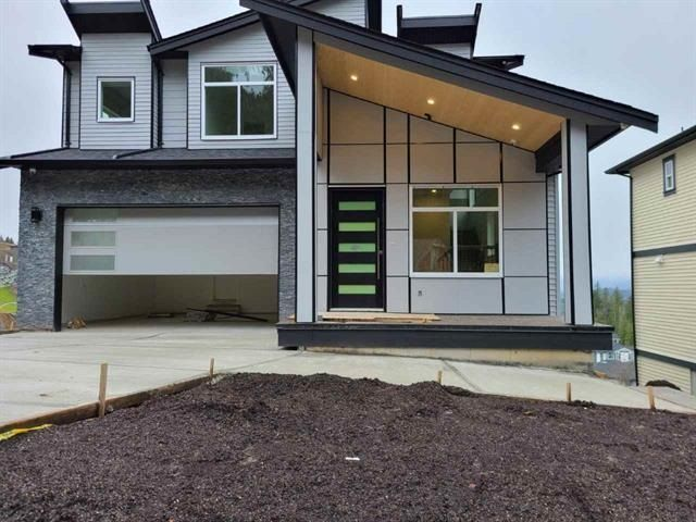 Main Photo: 8229 HARVEST Place in Chilliwack: Eastern Hillsides House for sale : MLS®# R2576721