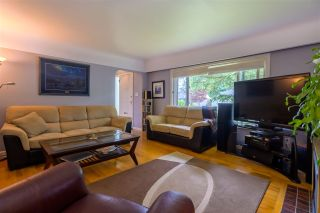 Photo 2: 22057 CLIFF Avenue in Maple Ridge: West Central House for sale : MLS®# R2374778