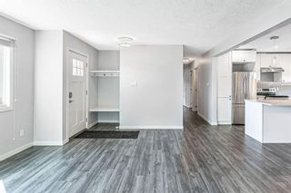 Photo 4: 7203 Fleetwood Drive SE in Calgary: Fairview Detached for sale : MLS®# A1129762