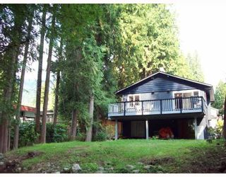 Photo 2: 1613 RALPH Street in North_Vancouver: Lynn Valley House for sale (North Vancouver)  : MLS®# V757906