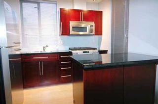 "Photo 5: 122 E 3RD Street in North Vancouver: Lower Lonsdale Condo for sale in ""THE SAUSALITO"" : MLS®# V622210"