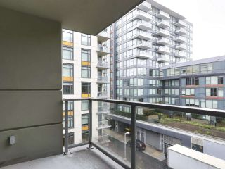 """Photo 8: 554 108 W 1ST Avenue in Vancouver: False Creek Condo for sale in """"OLYMPIC VILLAGE"""" (Vancouver West)  : MLS®# R2437073"""