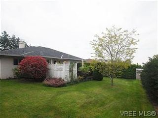Photo 18: 1028 Adeline Pl in VICTORIA: SE Broadmead House for sale (Saanich East)  : MLS®# 573085