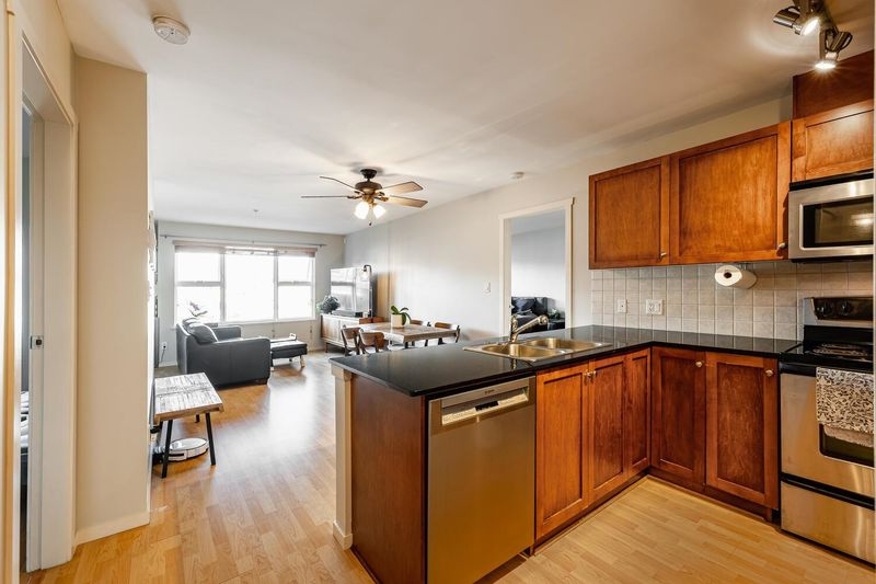 FEATURED LISTING: 411 - 315 KNOX Street New Westminster