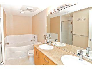 Photo 9: 107 300 KLAHANIE Drive in Port Moody: Port Moody Centre Condo for sale : MLS®# V1118205