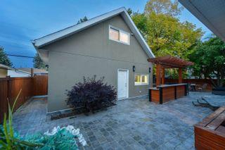 Photo 2: 4043 120 Street in Edmonton: Zone 16 House for sale : MLS®# E4264309