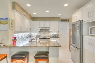 """Photo 15: 57 3405 PLATEAU Boulevard in Coquitlam: Westwood Plateau Townhouse for sale in """"PINNACLE RIDGE"""" : MLS®# R2483170"""