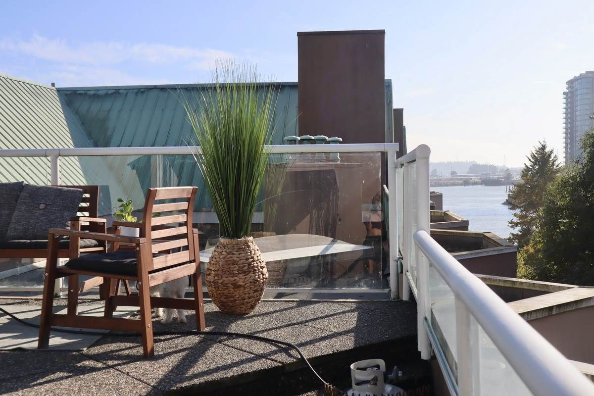 """Main Photo: 425 1150 QUAYSIDE Drive in New Westminster: Quay Condo for sale in """"WESTPORT VILLAGE"""" : MLS®# R2508207"""