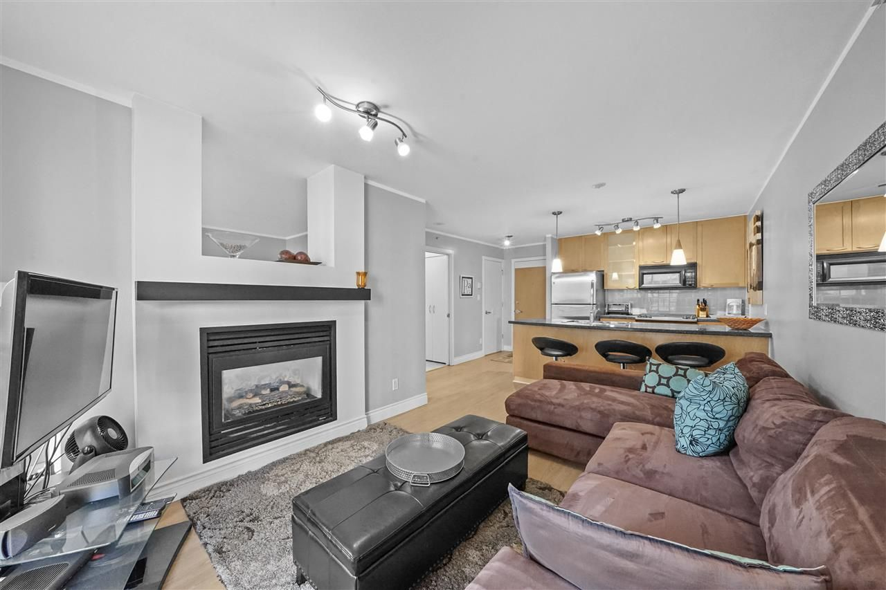"Main Photo: 605 989 RICHARDS Street in Vancouver: Downtown VW Condo for sale in ""The Modrian"" (Vancouver West)  : MLS®# R2561153"