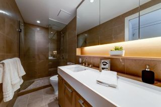 """Photo 13: 308 3220 CONNAUGHT Crescent in North Vancouver: Edgemont Condo for sale in """"The Connaught"""" : MLS®# R2405585"""
