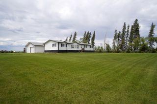 Photo 1: 45098 McCreery Road in Treherne: House for sale : MLS®# 202113735
