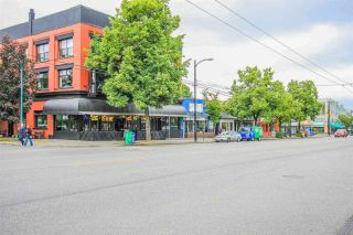 Photo 16: 266 E 17TH AVENUE in Vancouver: Main House for sale (Vancouver East)  : MLS®# R2075031