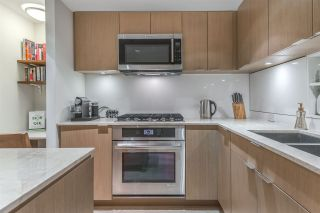 """Photo 13: PH615 161 E 1ST Avenue in Vancouver: Mount Pleasant VE Condo for sale in """"BLOCK 100"""" (Vancouver East)  : MLS®# R2195060"""