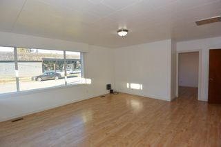 Photo 2: 1032 KING Street in Smithers: Smithers - Town House for sale (Smithers And Area (Zone 54))  : MLS®# R2429352