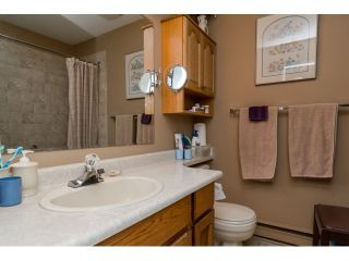 """Photo 10: 28 2962 NELSON Place in Abbotsford: Central Abbotsford Townhouse for sale in """"WILLBAND CREEK"""" : MLS®# R2016957"""