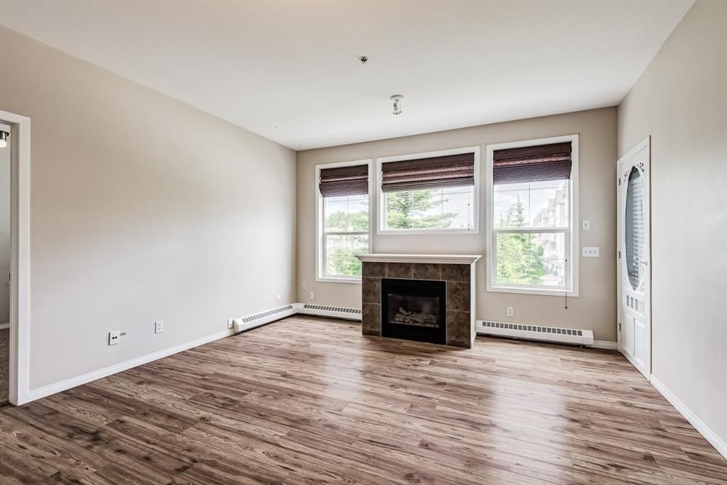 Photo 7: Photos: 204 1000 Applevillage Court SE in Calgary: Applewood Park Apartment for sale : MLS®# A1121312