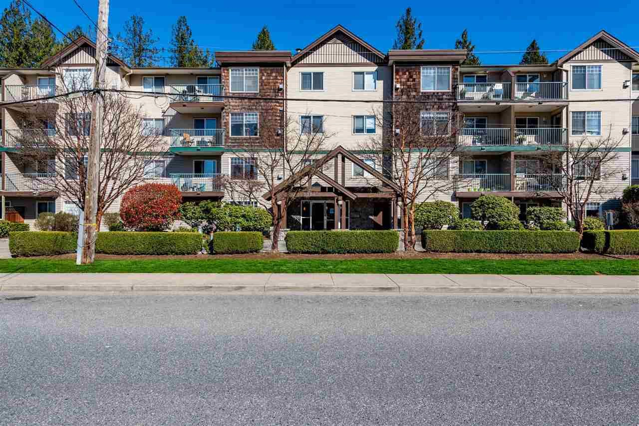 "Main Photo: 100 2350 WESTERLY Street in Abbotsford: Abbotsford West Condo for sale in ""Stonecroft Estates"" : MLS®# R2564893"