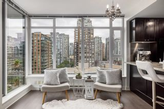 """Photo 2: 1302 1133 HOMER Street in Vancouver: Yaletown Condo for sale in """"H&H"""" (Vancouver West)  : MLS®# R2618125"""