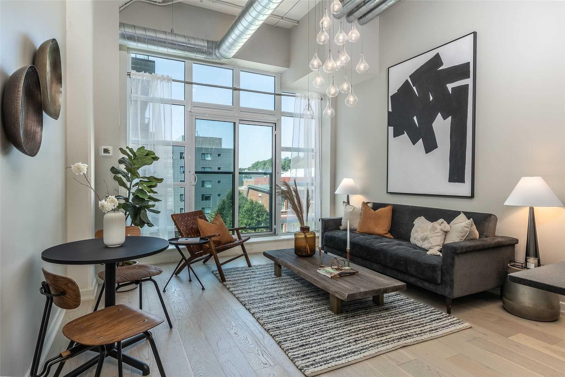 Main Photo: 313 380 Macpherson Avenue in Toronto: Casa Loma Condo for sale (Toronto C02)  : MLS®# C5372086