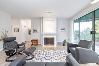 """Photo 3: 405 1705 MARTIN Drive in Surrey: White Rock Condo for sale in """"Southwynds"""" (South Surrey White Rock)  : MLS®# R2625485"""