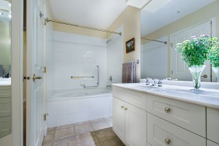 """Photo 17: 124 3098 GUILDFORD Way in Coquitlam: North Coquitlam Condo for sale in """"MARLBOROUGH HOUSE"""" : MLS®# R2555992"""