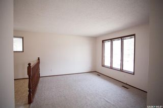 Photo 3: 321-319 Girgulis Crescent in Saskatoon: Silverwood Heights Residential for sale : MLS®# SK850836