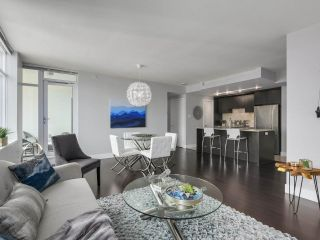 Photo 5: Luxury Living in Central Lonsdale!