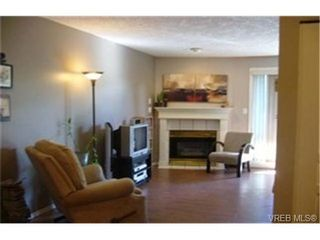 Photo 2:  in VICTORIA: SE Swan Lake Condo for sale (Saanich East)  : MLS®# 439406