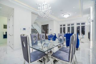 Photo 10: 5805 CULLODEN Street in Vancouver: Knight House for sale (Vancouver East)  : MLS®# R2579985