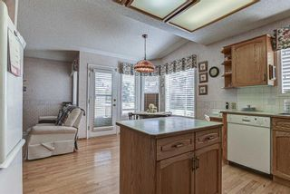 Photo 14: 106 Sierra Morena Green SW in Calgary: Signal Hill Semi Detached for sale : MLS®# A1106708