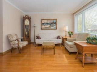 Photo 3: 124 Thicketwood Drive in Toronto: Eglinton East House (Bungalow) for sale (Toronto E08)  : MLS®# E3807933