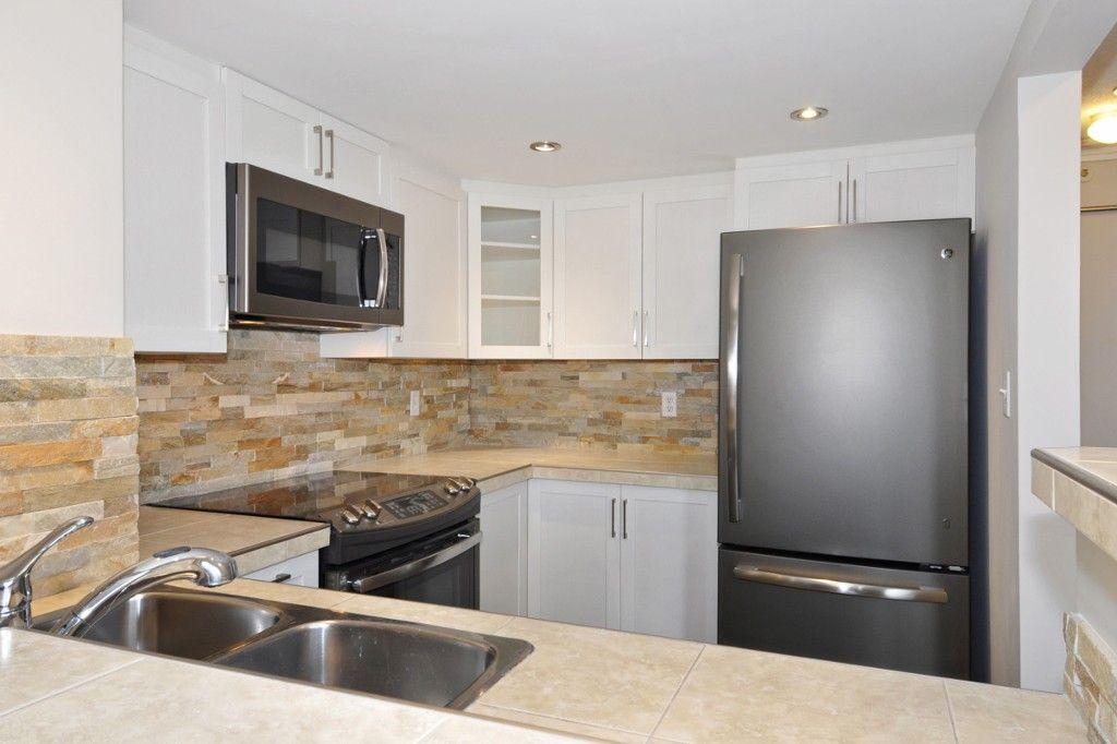 """Photo 6: Photos: PH3 828 AGNES Street in New Westminster: Downtown NW Condo for sale in """"WESTMINSTER TOWERS"""" : MLS®# R2153031"""