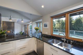 Photo 12: 4170 RIPPLE Road in West Vancouver: Bayridge House for sale : MLS®# R2531312
