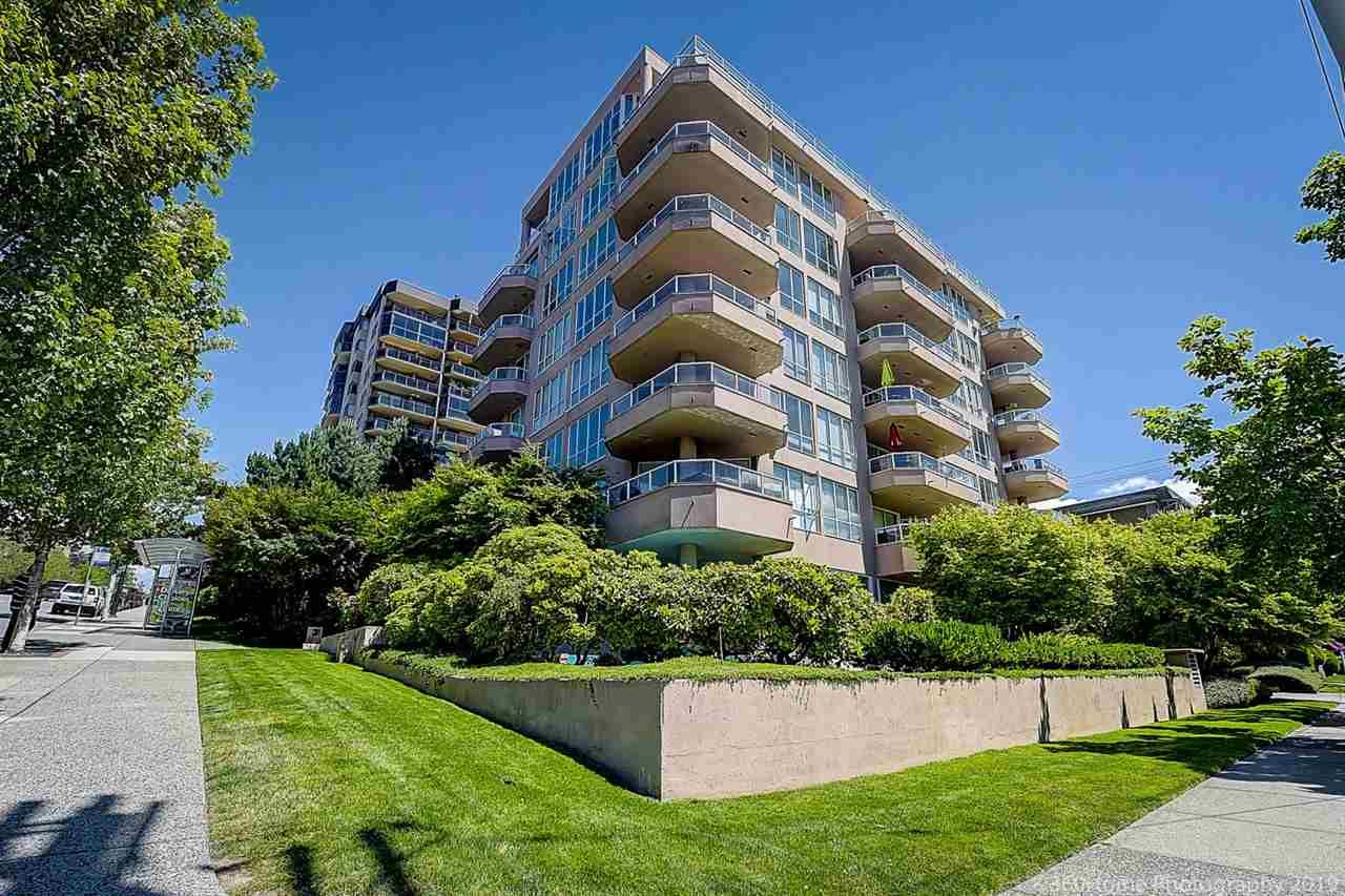 Main Photo: #303 - 408 Lonsdale Ave in North Vancouver: Lower Lonsdale Condo for sale : MLS®# R2404464