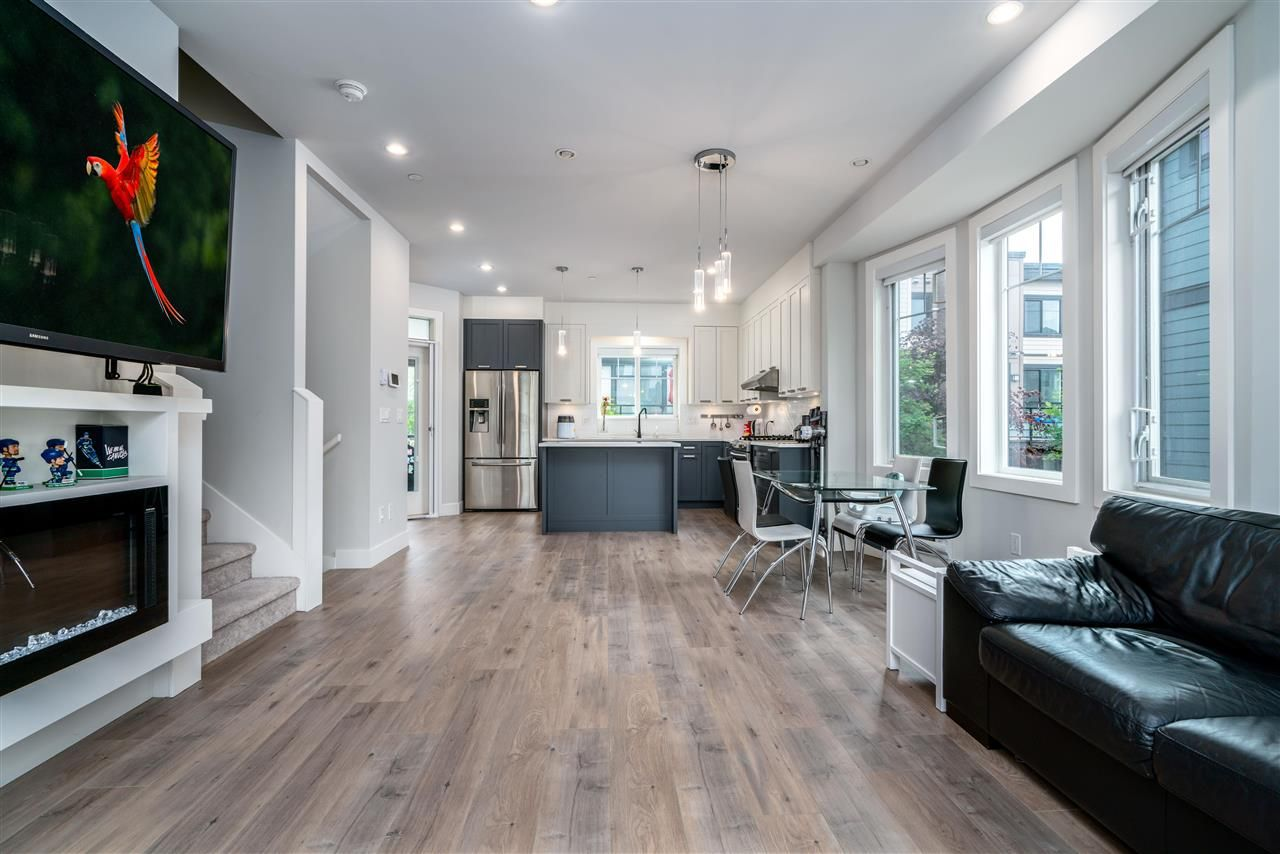 """Main Photo: 7 188 WOOD Street in New Westminster: Queensborough Townhouse for sale in """"River"""" : MLS®# R2585516"""