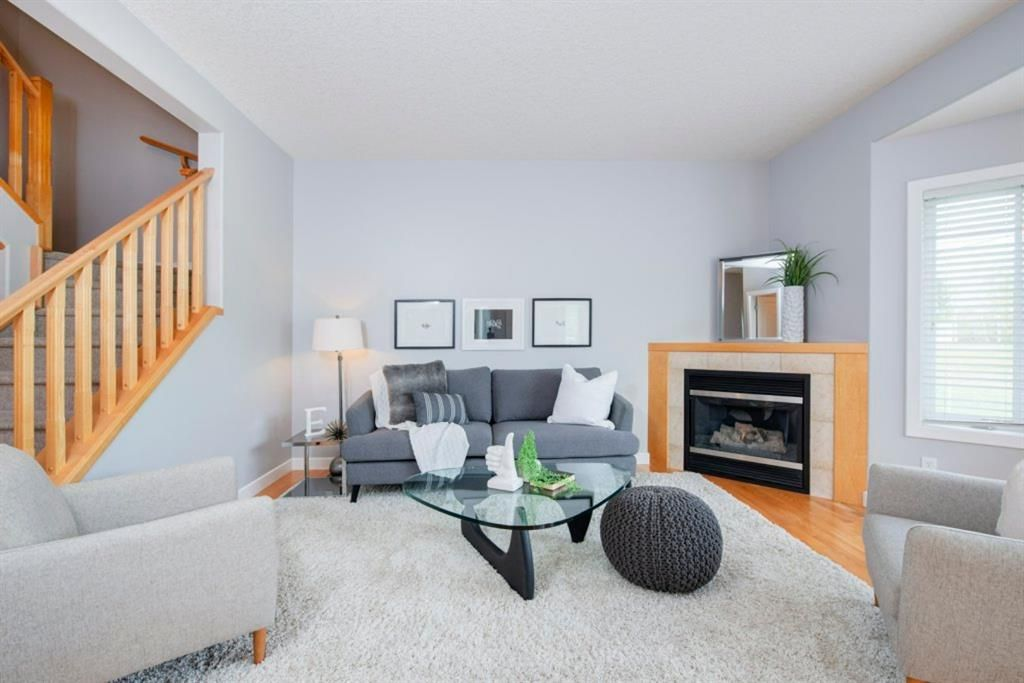 Photo 8: Photos: 32 Prominence Park SW in Calgary: Patterson Row/Townhouse for sale : MLS®# A1112438