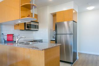 """Photo 6: 2008 1189 HOWE Street in Vancouver: Downtown VW Condo for sale in """"GENESIS"""" (Vancouver West)  : MLS®# R2459398"""