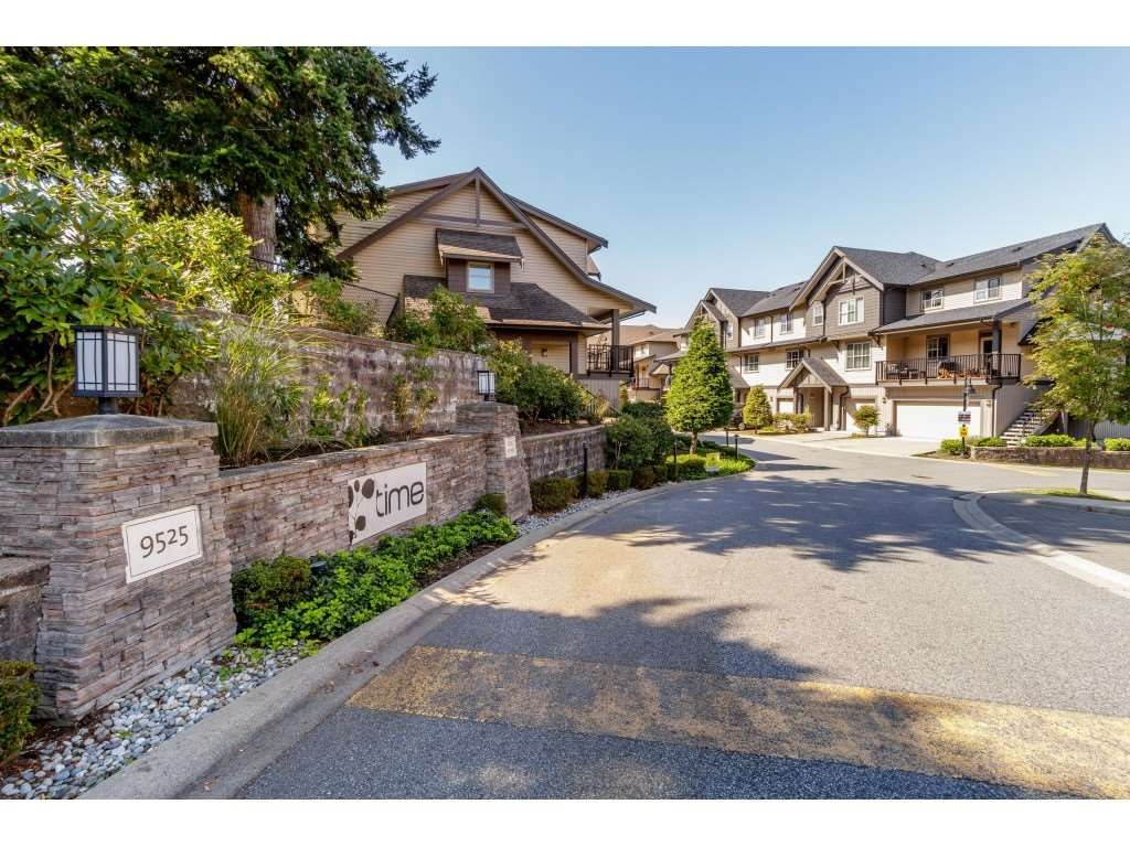 """Main Photo: 98 9525 204 Street in Langley: Walnut Grove Townhouse for sale in """"TIME"""" : MLS®# R2401291"""