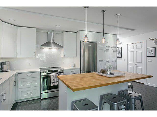 "Main Photo: 218 2416 W 3RD Avenue in Vancouver: Kitsilano Condo for sale in ""LANDMARK REEF"" (Vancouver West)  : MLS®# V1119318"