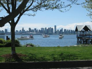 """Photo 1: 4103 33 CHESTERFIELD Place in North Vancouver: Lower Lonsdale Townhouse for sale in """"HARBOURVIEW PARK"""" : MLS®# V864886"""