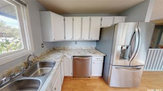 Photo 13: 839 Athlone Drive North in Regina: McCarthy Park Residential for sale : MLS®# SK870614