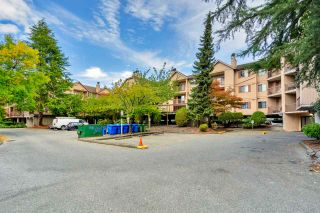 """Photo 17: 242 8500 ACKROYD Road in Richmond: Brighouse Condo for sale in """"WEST HAMPTON COURT"""" : MLS®# R2549728"""