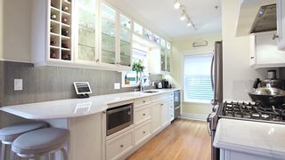 """Photo 8: 366 W 10TH Avenue in Vancouver: Mount Pleasant VW Townhouse for sale in """"TURNBULL'S WATCH"""" (Vancouver West)  : MLS®# R2610302"""