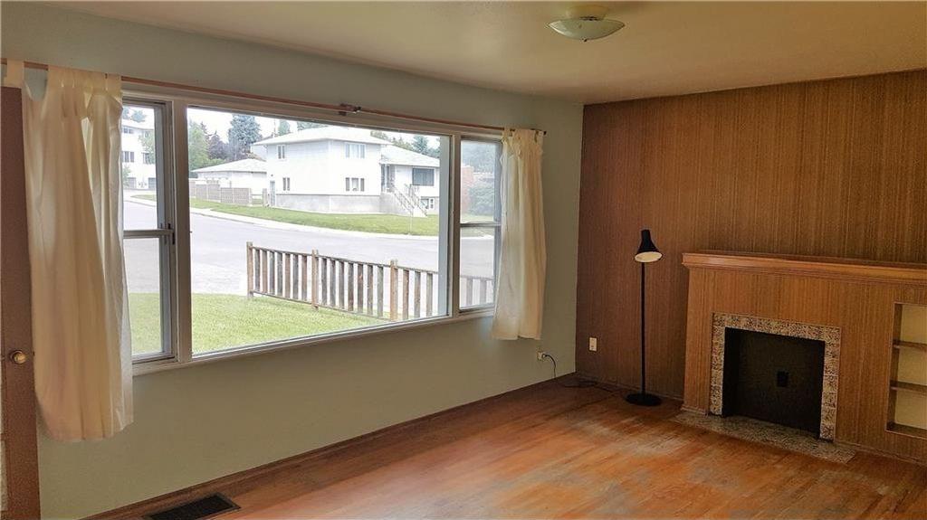 Photo 5: Photos: 2403 32 Avenue SW in Calgary: Richmond House for sale : MLS®# C4123862