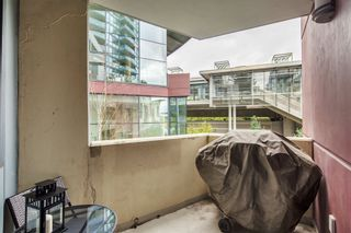 """Photo 15: 301 2225 HOLDOM Avenue in Burnaby: Central BN Condo for sale in """"LEGACY TOWERS"""" (Burnaby North)  : MLS®# R2329994"""